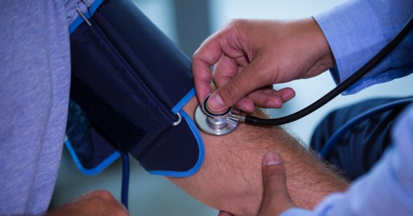 magas vérnyomás és hiperreflexia