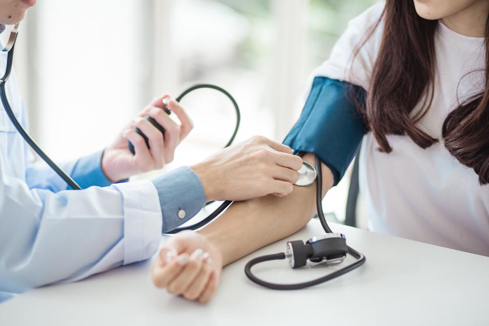 normotonia hipertónia hipotenzió