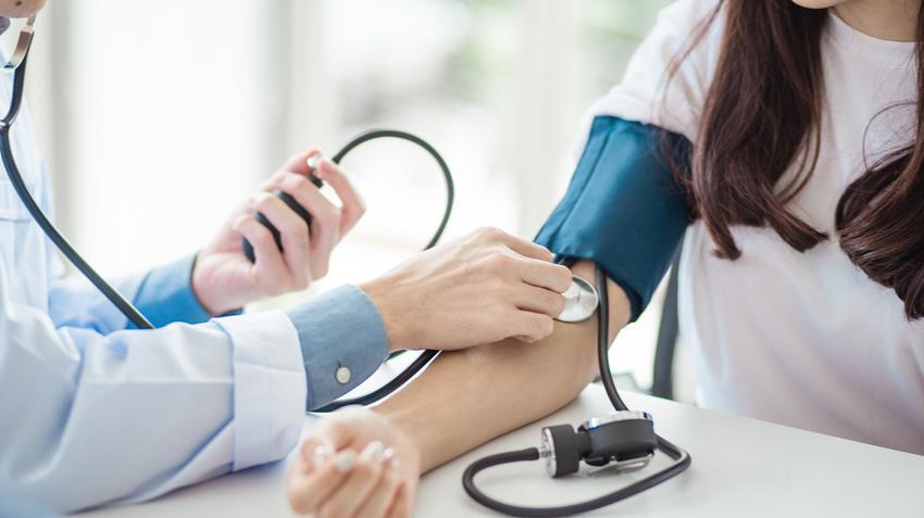 társ magas vérnyomás esetén