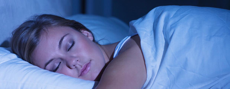 Ez történik a testeddel, ha a jobb oldaladon alszol   Nosalty