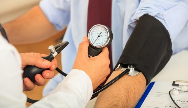 hogyan lehet azonosítani a magas vérnyomást a szemekben Borjomi magas vérnyomás